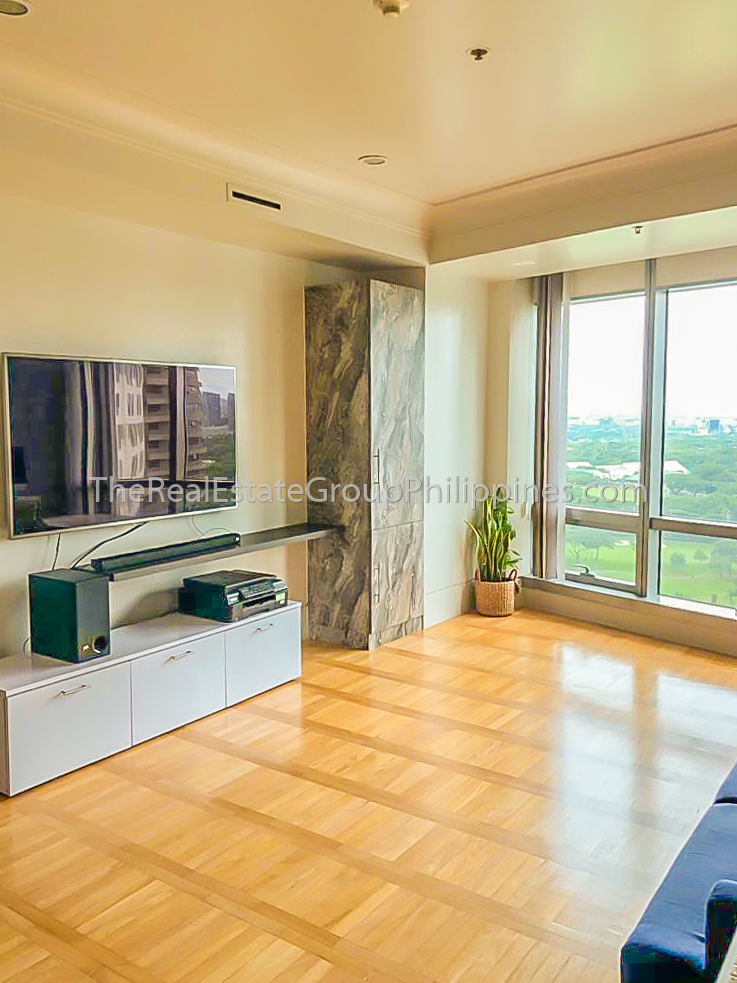 2BR Condo For Rent Lease One McKinley Place BGC 110k (3 of 6)