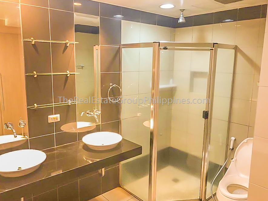 2BR Condo For Rent Lease One McKinley Place BGC 110k (5 of 6)