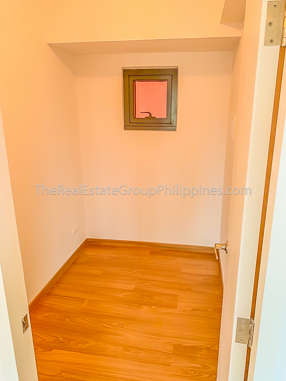 2BR Condo For Rent Lease The Rise Makati 70k (7 of 9)