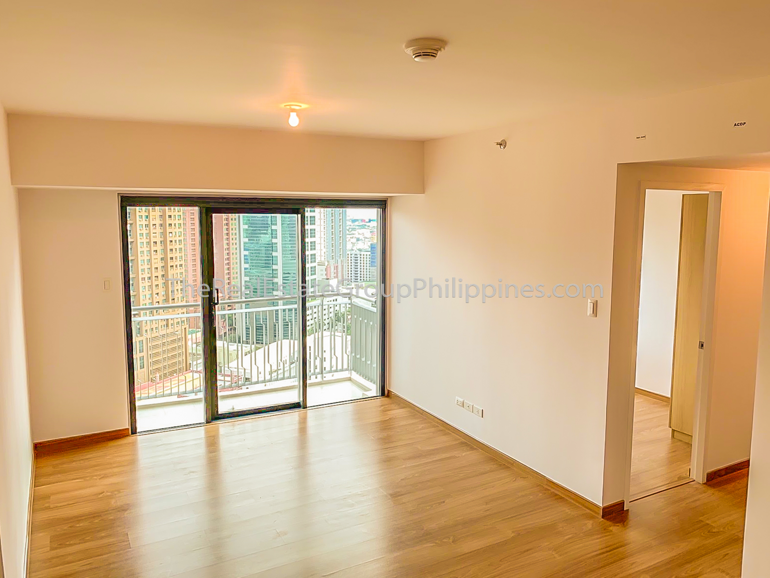 2BR Condo For Rent Lease The Rise Makati 70k (9 of 9)
