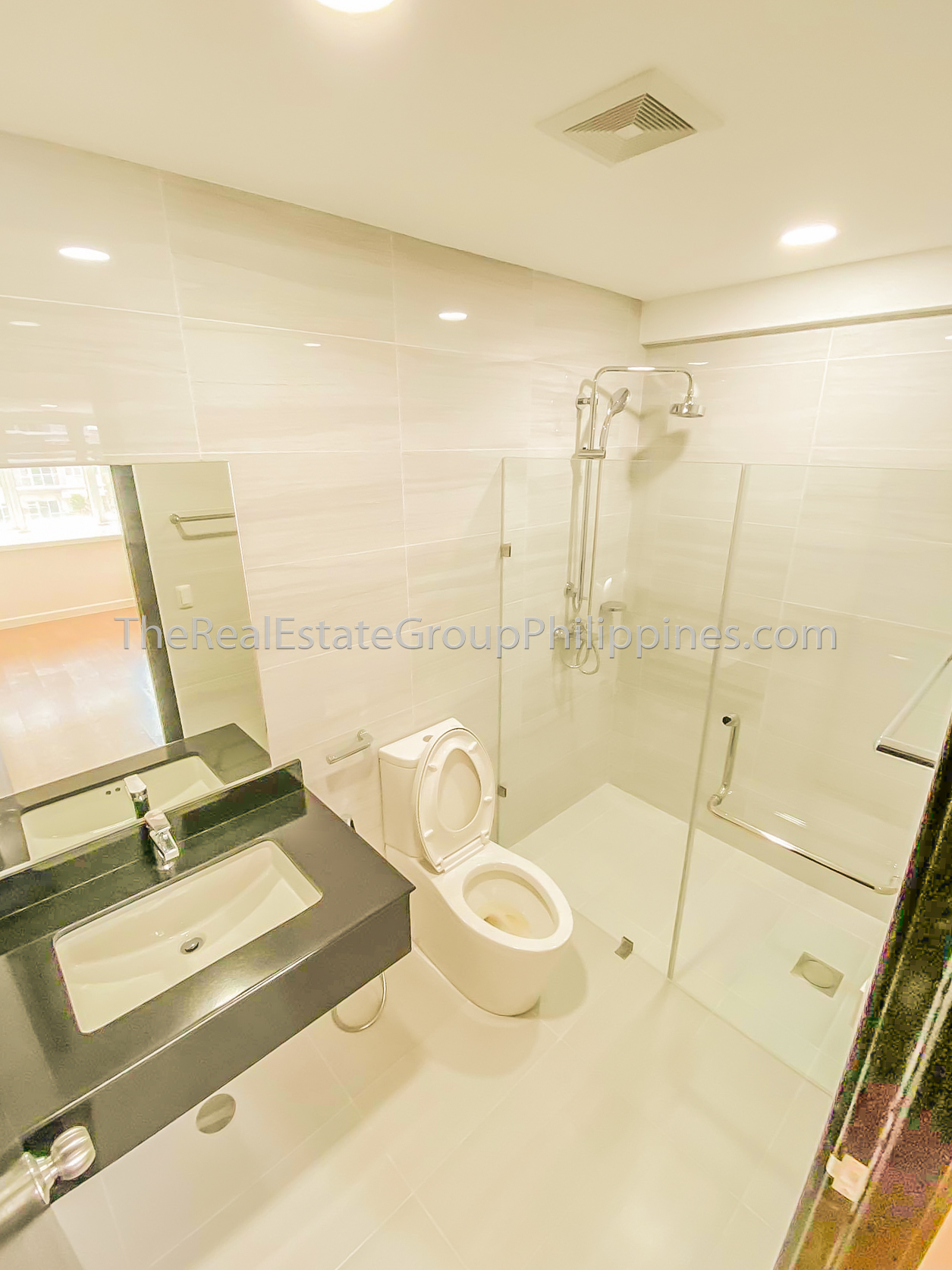 1BR Condo For Rent Lease The Veranda Arca South (12 of 12)