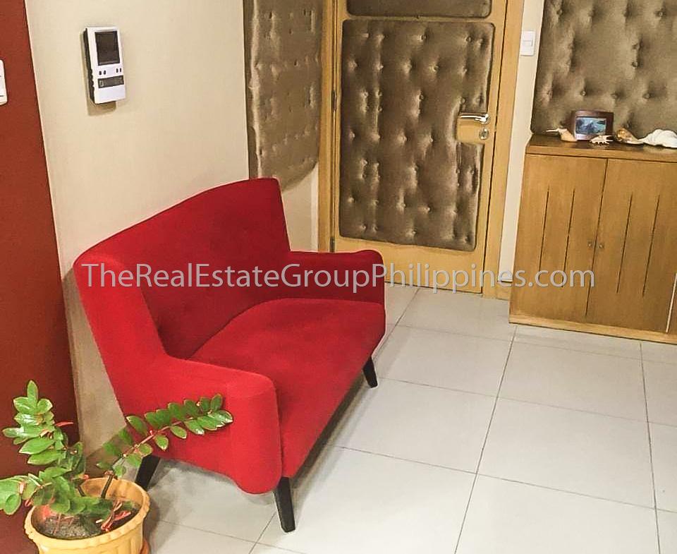 2BR Condo For Sale Parkside Villas Newport City - 16-5-M-6
