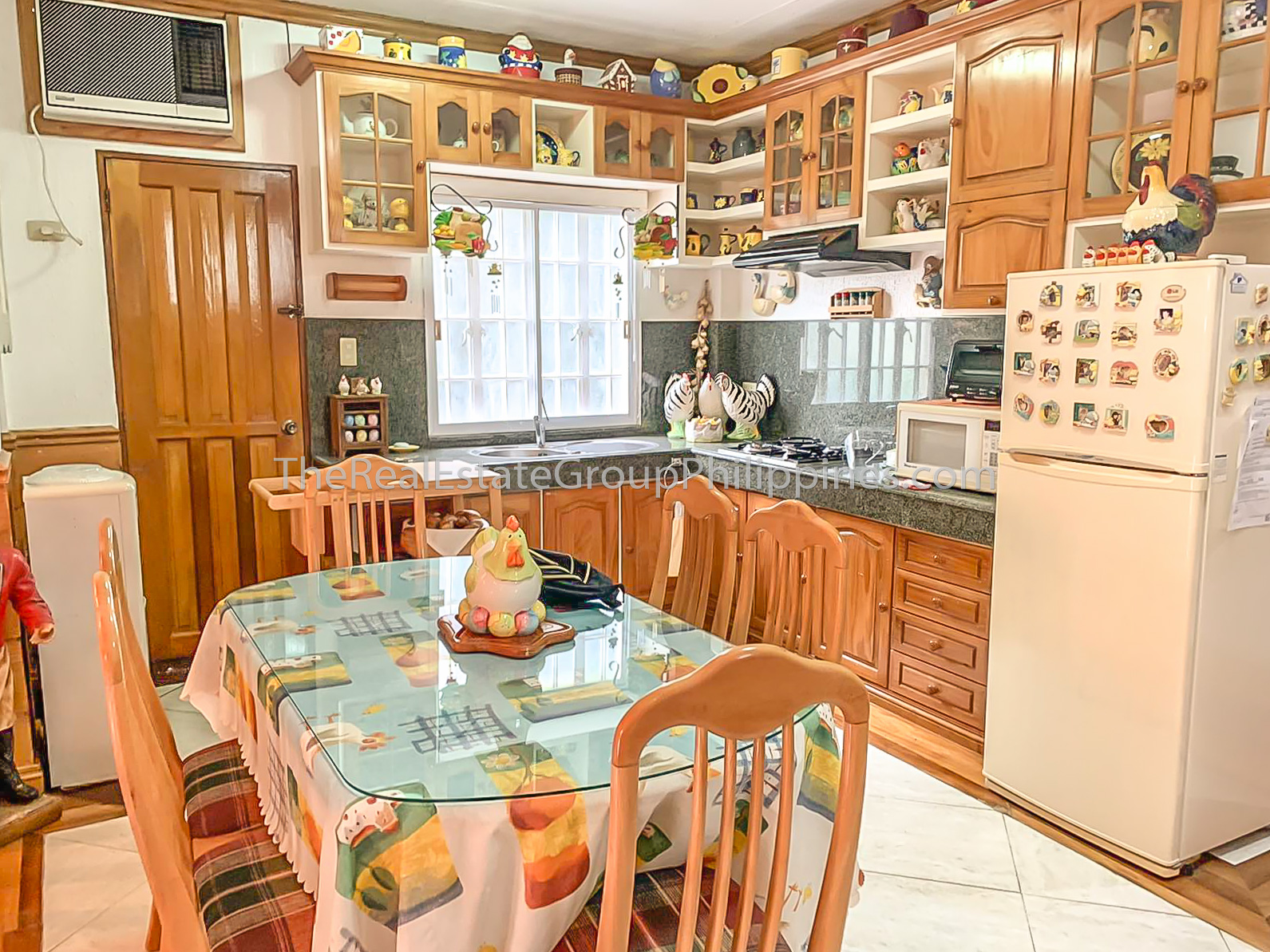 4BR House For Sale, Monte Vista Subdivision, Tagaytay-9