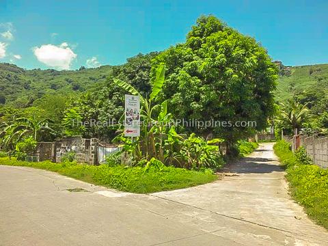 1300 Sqm Vacant Lot For Sale an Carlos heights subd bgy tayuman binangonan Rizal-3