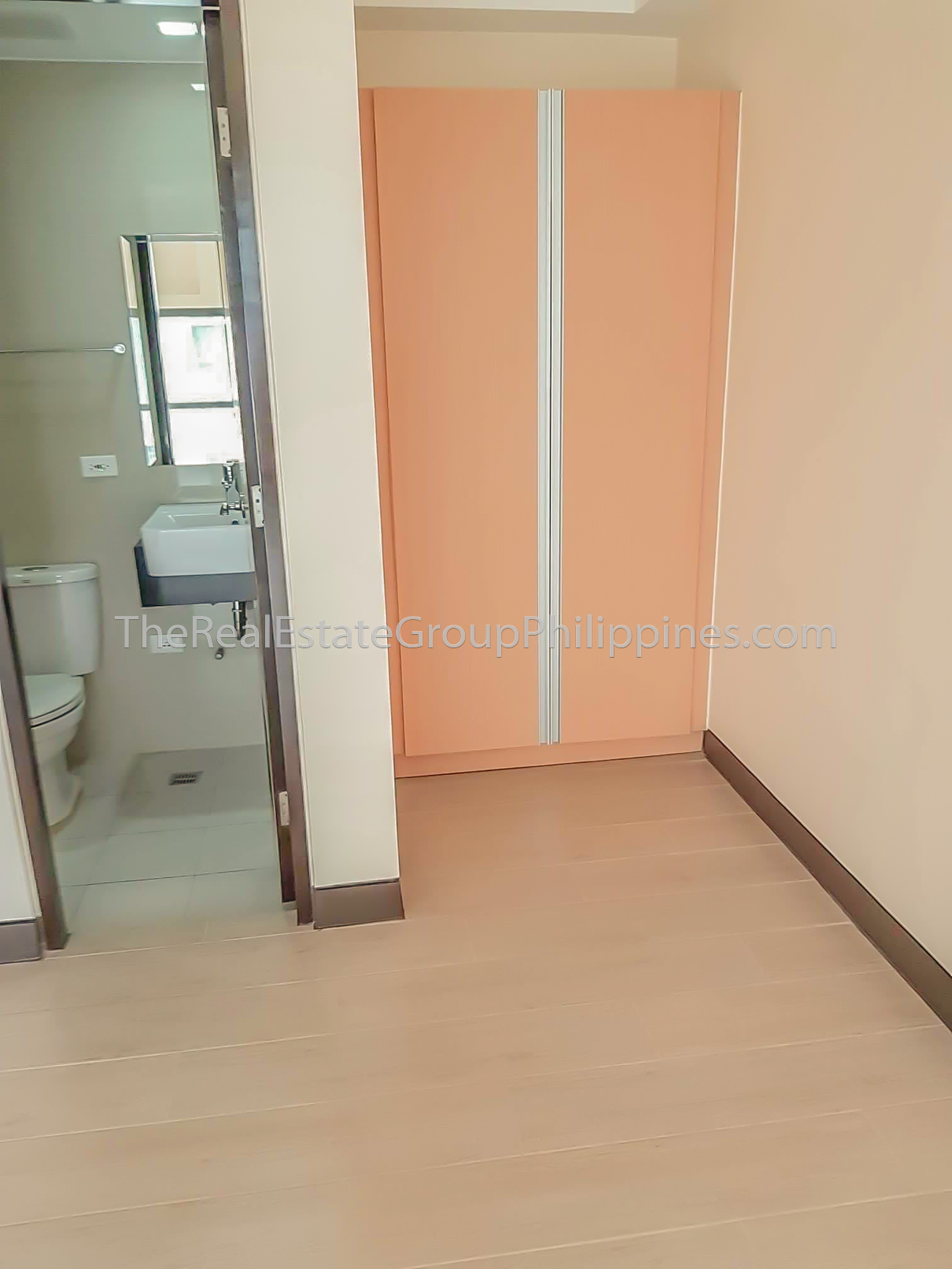2BR Condo For Rent Lease Sale Viceroy Tower 3 McKinley Hill BGC Taguig-9